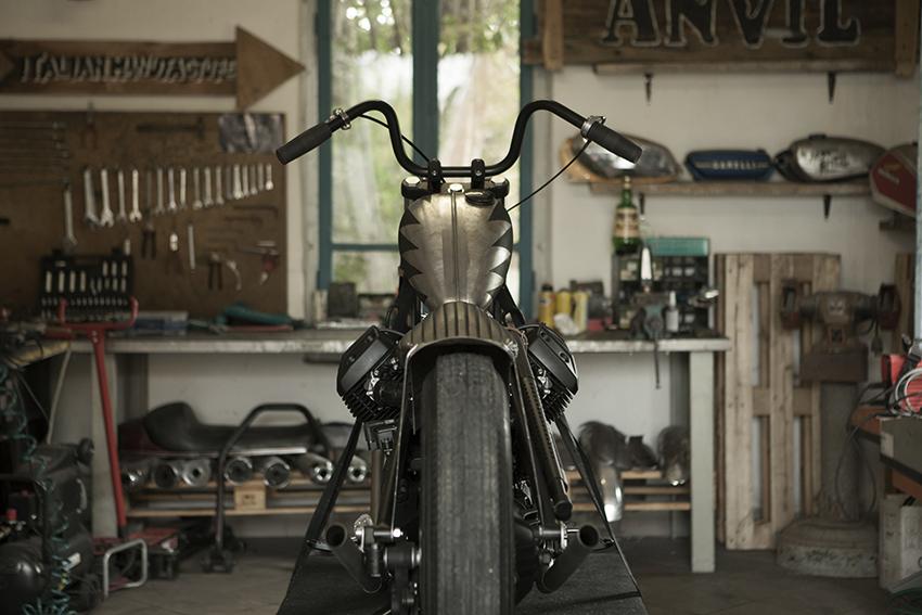 ANVIL MOTOCICLETTE RAISE HELL rear view