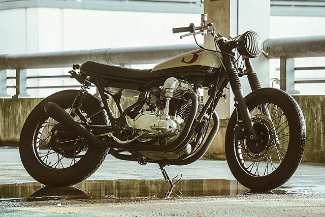 W400 3-Dom Brat by Untitled Motorcycles